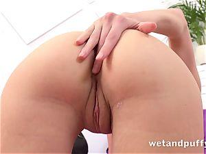 wet yummy fuckbox with yoga honey Gina Gerson