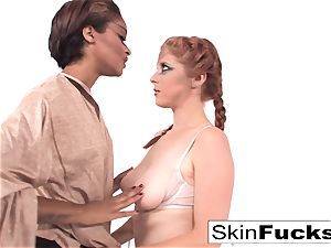 Jedi skin instructs Penny the energy