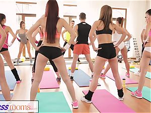 FitnessRooms awesome arses on showcase before lezzy stunners