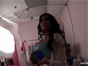 Behind the sequences of a porno set with sex industry star Romi Rain