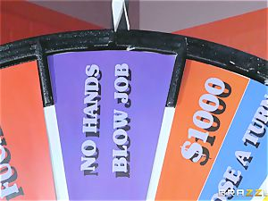 Game showcase weenie romping with platinum-blonde sweetie Alix Lynx