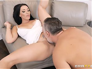 Rachel Starr packed in her cootchie