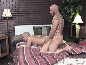 Vanessa gets her humid honeypot porked on the couch
