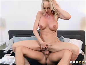 Brandi love humped in her wet cunny