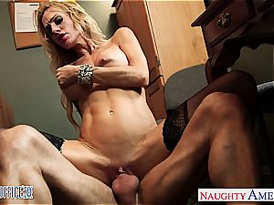 inked ash-blonde Sarah Jessie boink in the office