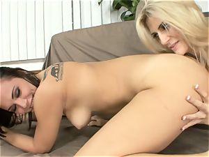 Amanda Tate eats on Aidra Fox's scorching culo