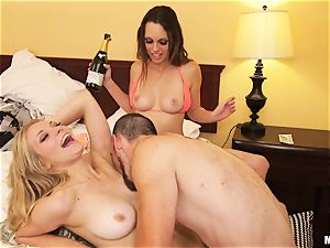 Jade Nile and Alli Rae are shaft luving criminals