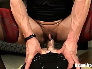 fitness models fuck stick Vs sybian saddle who does it better