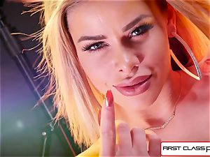 observe Jessa Rhodes taking a ample pink cigar down her mouth