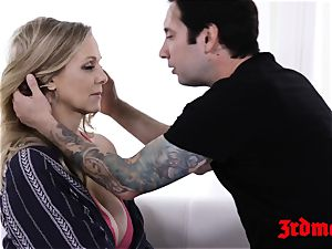 milf Julia Ann toe gargled while dicked in the pussy